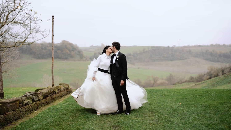 matrimonio natalizio all'Abbazia di San Giusto splendido servizio con videomaker matrimonio in aperta campagna