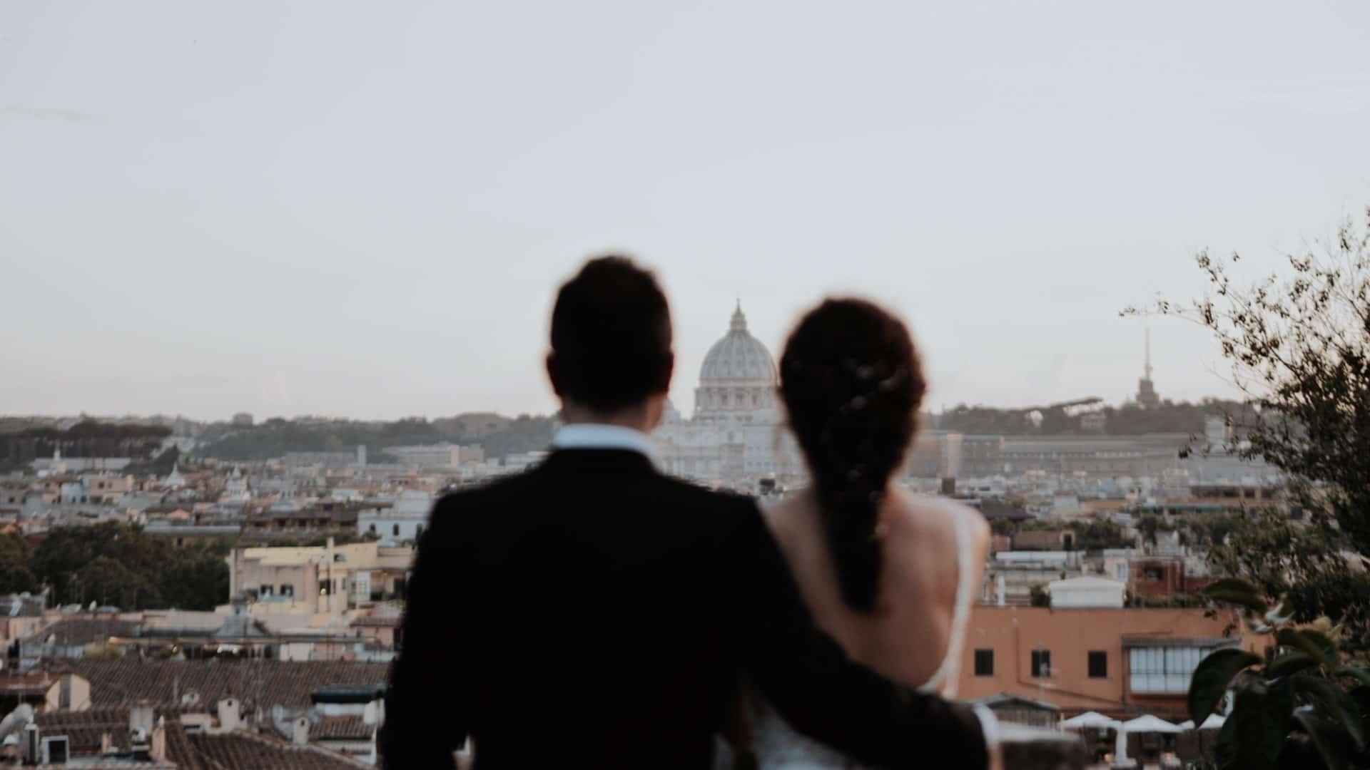 coppia turca sposata a Roma servizio fotografico sulla terrazza della Casina Valadier