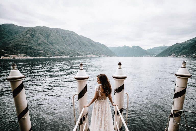 Matrimonio Lago di Como panorama con sposa